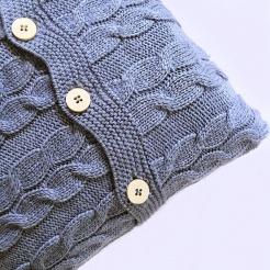 Подушка вязаная, голубая пудра