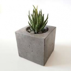 Вазон бетонный, куб 10 см, серый